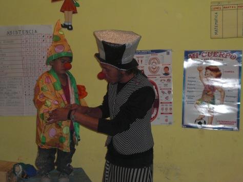 Llevando oportunidades para el futuro de nuestros niños de la comunidades